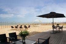 L'ampia spiaggia privata.