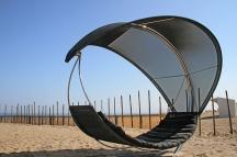 La spiaggia privata con l'amaca Wave.