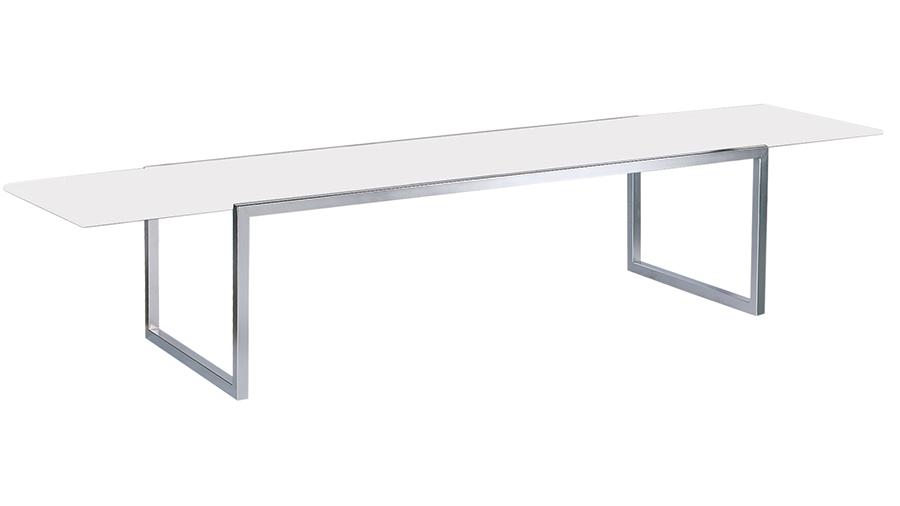 Tavolo NNX360 con piano in ceramica bianca.