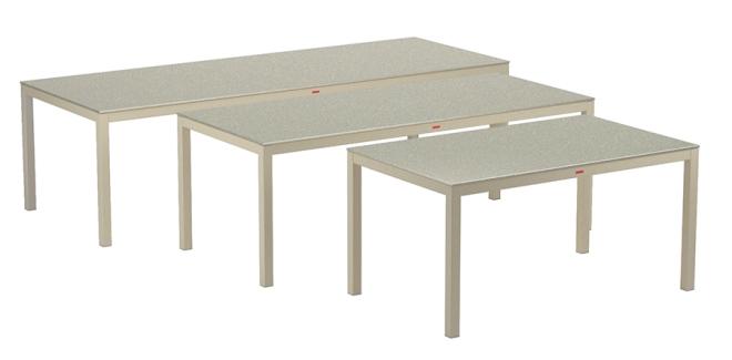 Nuovi tavoli per la famiglia TABOELA.