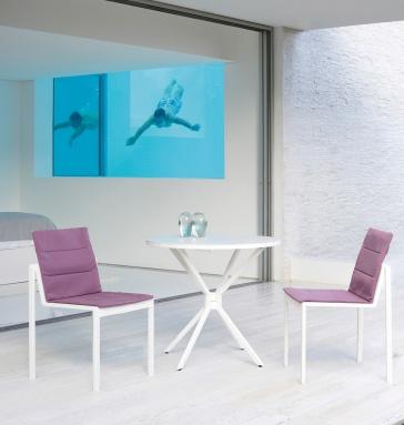 sedie Alura e tavolo Traverse